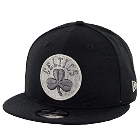 f69e7fa1f6962 Amazon.com   New Era 9Fifty Boston Celtics Metallic Clover Snapback Hat  (Black) Men s Cap   Sports   Outdoors