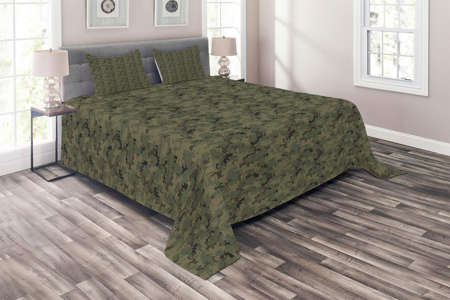 Ambesonne Camouflage Coverlet, Digital Pixel Design Repeating Camo Pattern, 3 Piece Decorative Quilted Bedspread Set with 2 Pillow Shams, Queen Size, Khaki Green