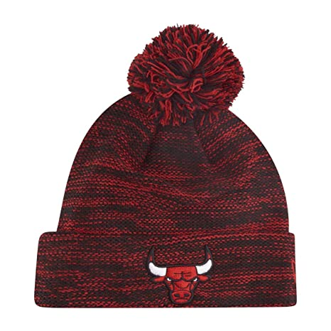 CAPPELLO MAGLIA CHICAGO BULLS POMPON - 24544 - 1  Amazon.it  Sport e ... 72a85f4e2747
