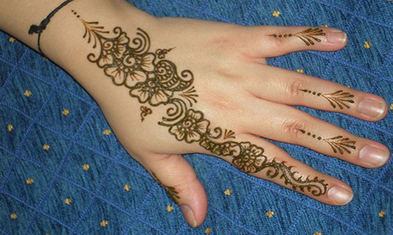 Mehndi Flower Designs For Hands : Amazon.com: mehndi designs images for beginners girls vol 2