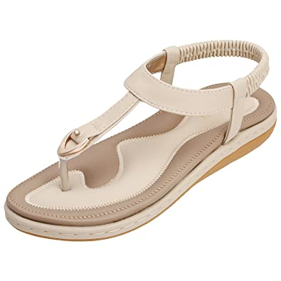 f7d2a0c99412 KUONUO Sandalen Damen Sommer Bohemia Beach Sandal Flach Sommerschuhe Metal  Hardware Sandals PU Leder Zehentrenner Flip