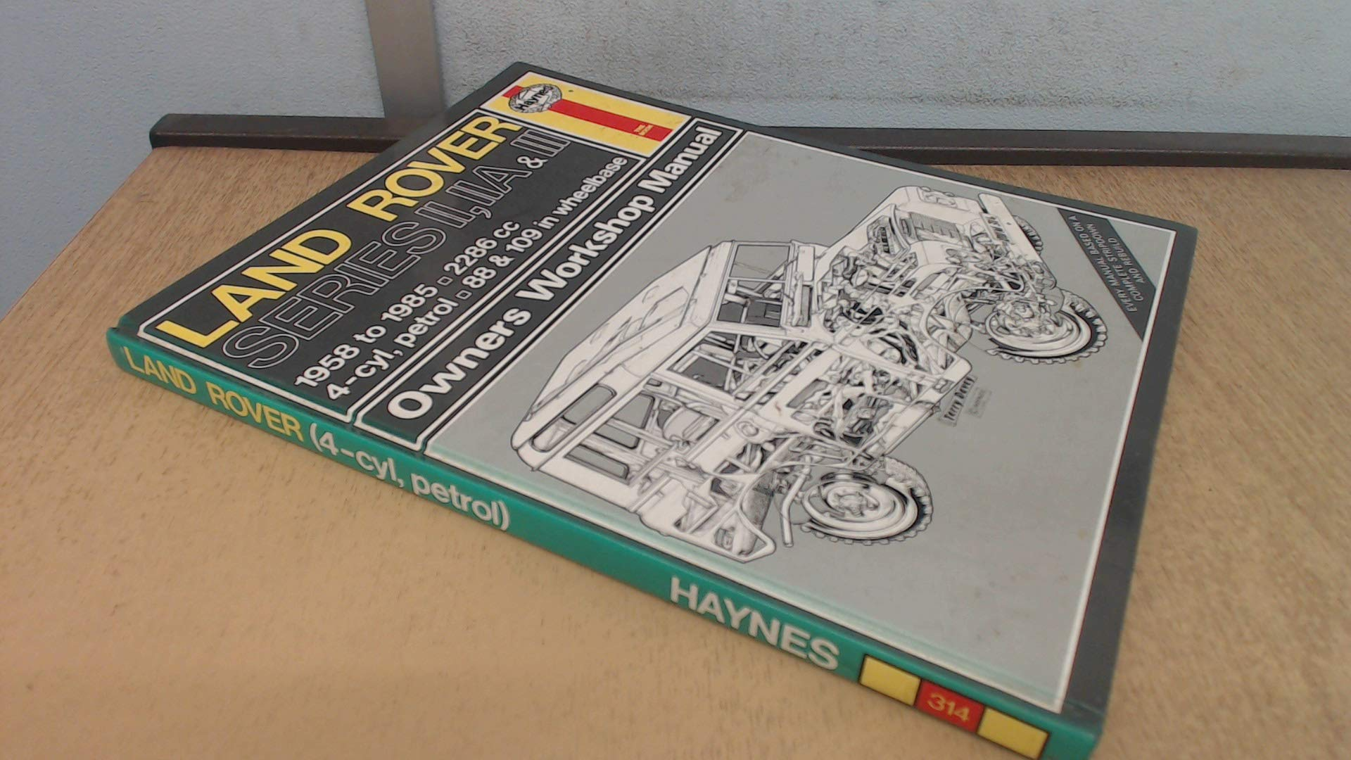 Land Rover Series 2, 2A and 3 1958-85 Owner's Workshop Manual (Owners  workshop manual / Haynes): Amazon.co.uk: J. H. Haynes, Marcus Daniels:  9781850101826: ...