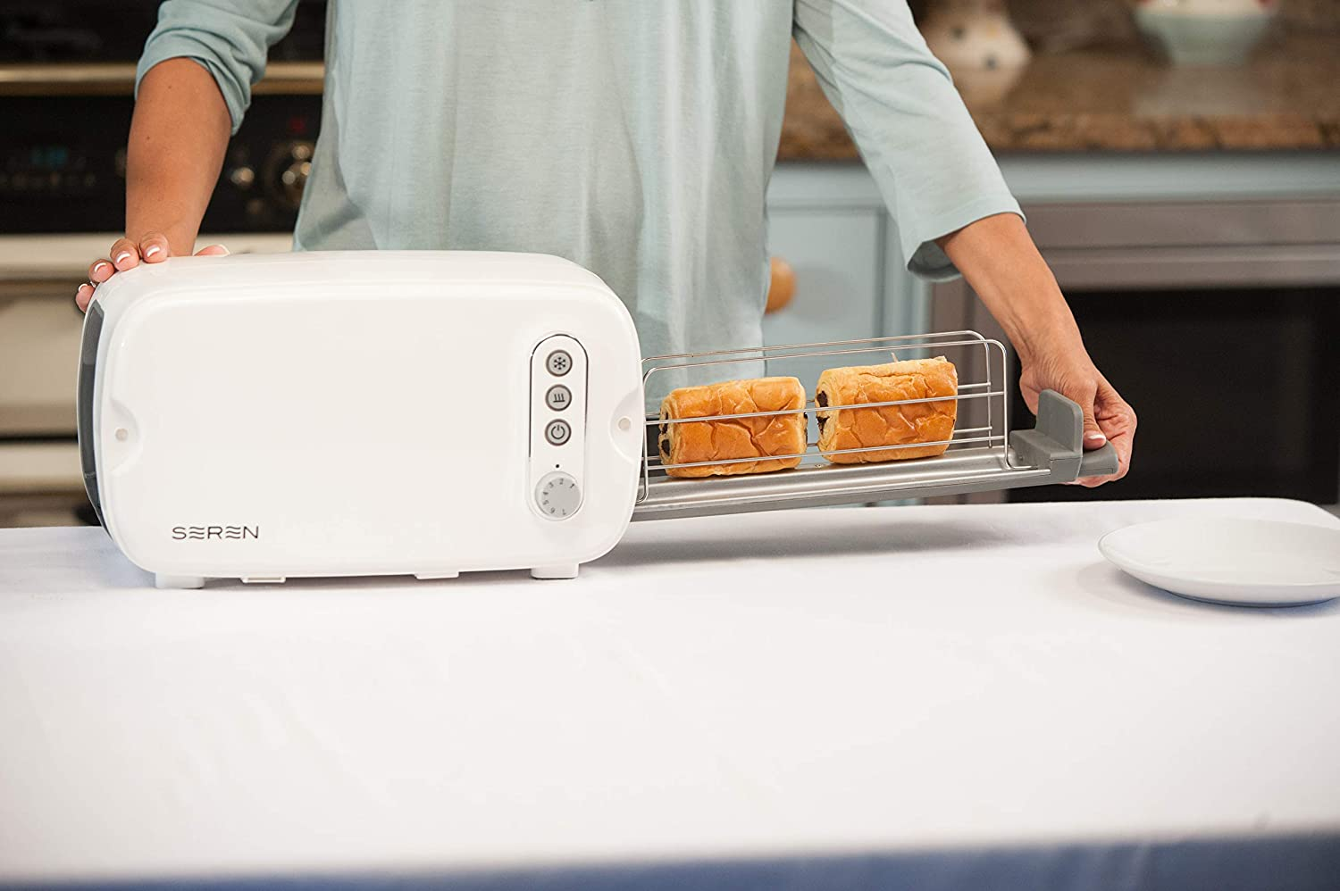Berghoff Seren Side Loading Toaster Cook or Toast any Size Bread Pastry Bagel Sandwich or any snack. Cook Pita or Panini Waffles or Bagels, Easy Clean Up, Cook from Frozen with Defrost Button