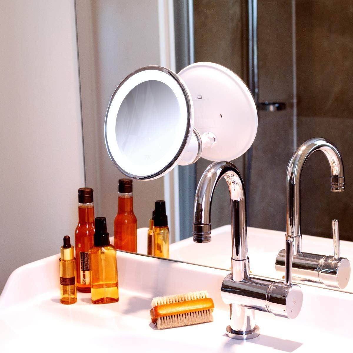 Navaris Espejo de Aumento x5 con luz Espejo de Maquillaje y depilaci/ón Espejo con Ventosa e iluminaci/ón LED Giratorio y Ajustable 360/°