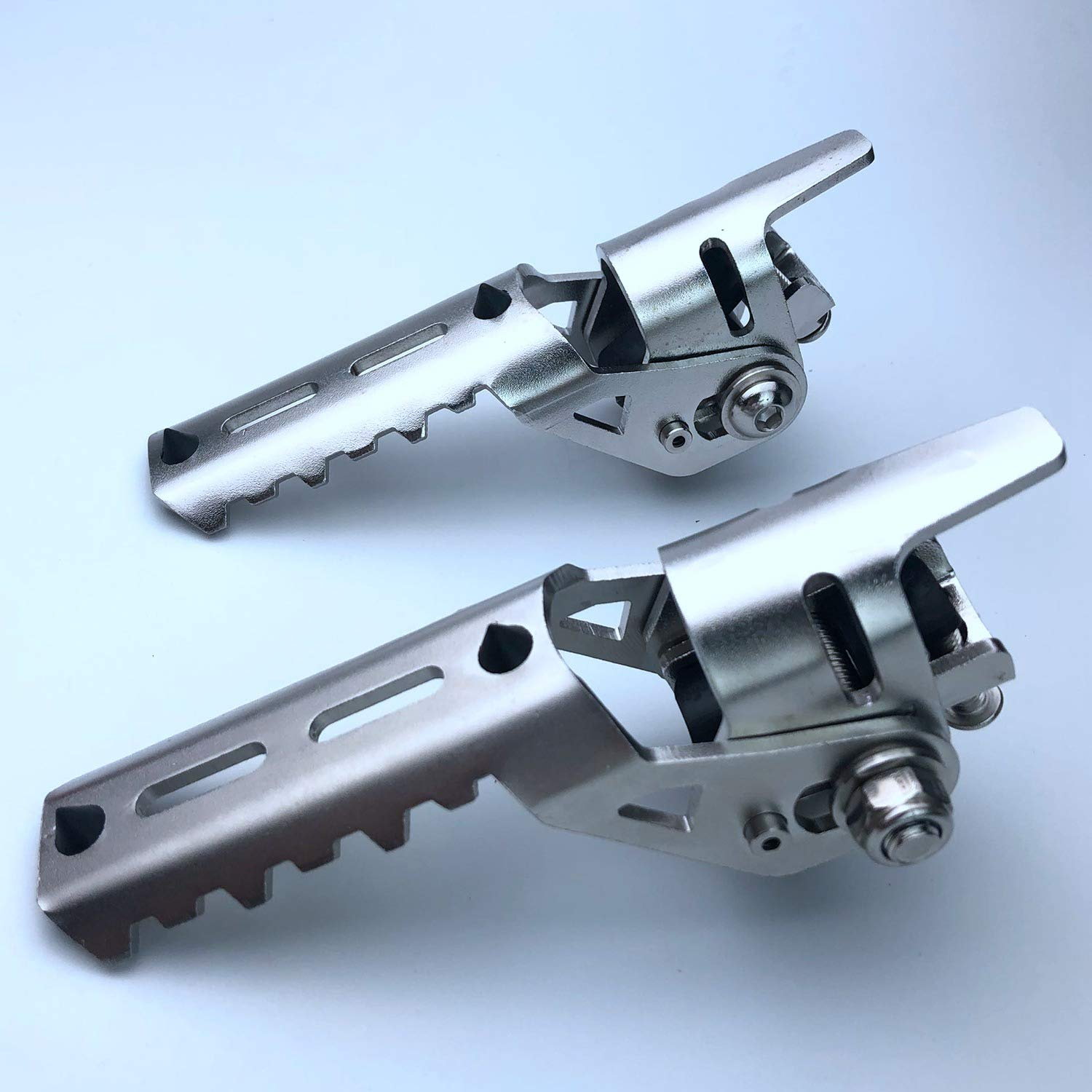 TOOGOO Motorcycle Front Footrest Foot Pegs For Bumper Diameter 25Mm Silver