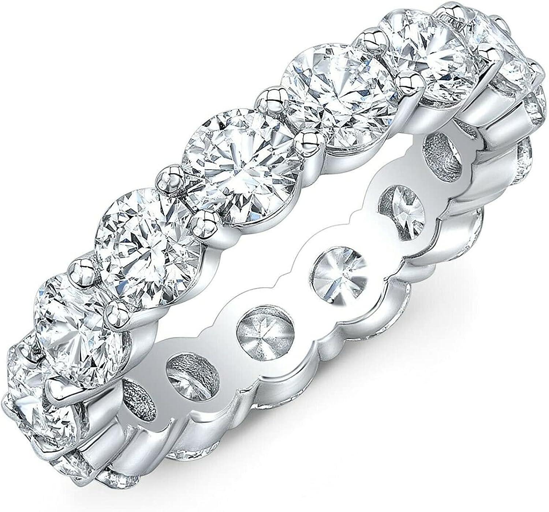 Anillo de platino de 7,50 quilates con diamante de corte redondo