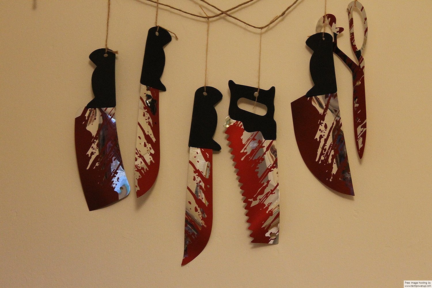 1.8m Hanging Knives Garland - 6pc on string - Use in windows, walls, fireplace, etc -Halloween Bloody Weapons Prop decoration blood ITP