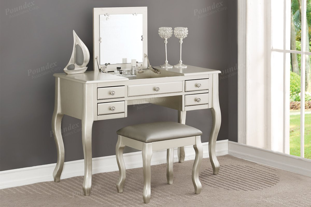 Poundex F4145 Bobkona Cailyn Flip Up Mirror vanity Set with Stool in Silver