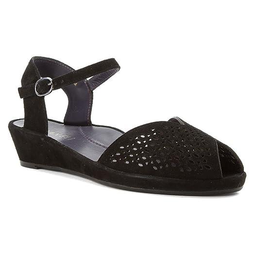 Womens Sandals Vaneli Darlene Black Suede