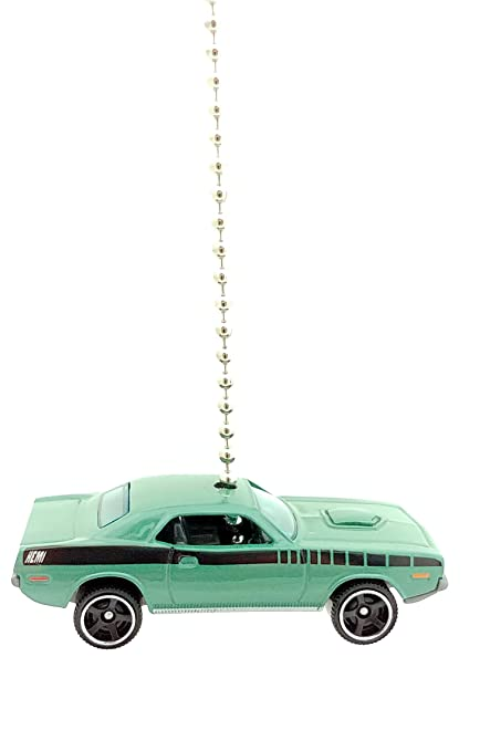 san francisco 4d4c8 ee489 Plymouth Diecast Ceiling Fan Light Pull Ornaments (1970 Plymouth Cuda Green)  - - Amazon.com