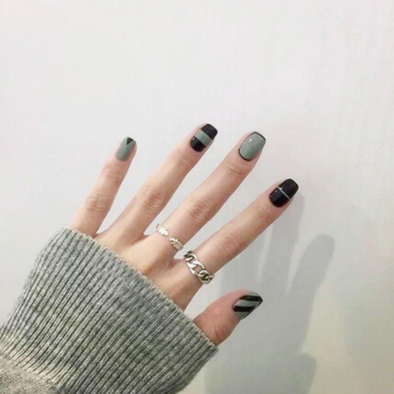 Amazon.com : Yean Set of 24 Bridal False Nails Grey Stripe Nail ...