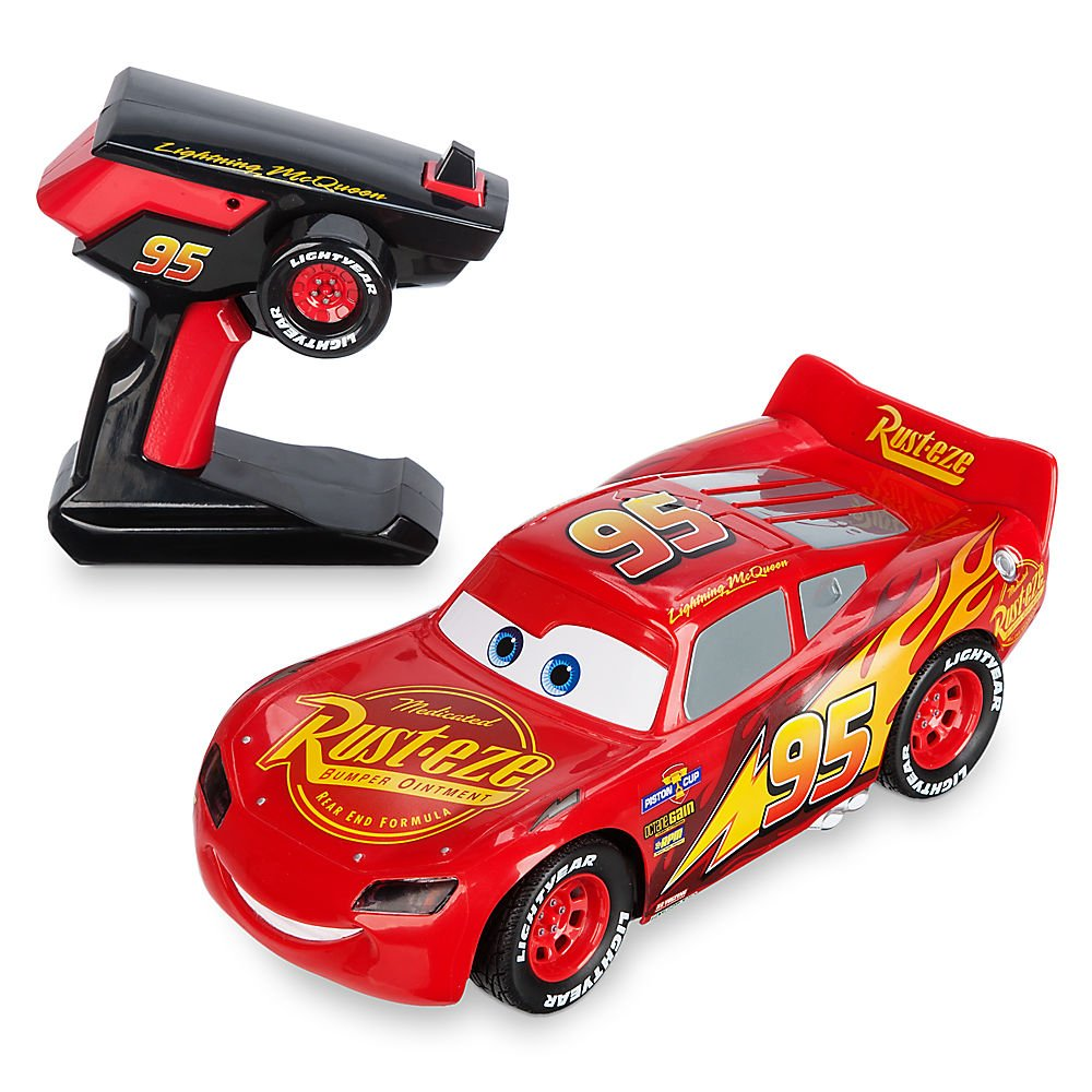 Amazon com disney lightning mcqueen rc vehicle cars 3 toys games