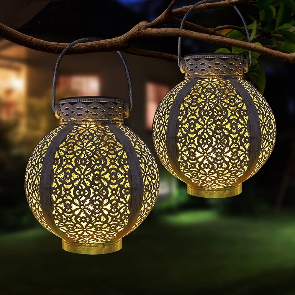 Retro Metal Lamps Solar Lanterns Waterproof Hollow-Out Design, Outdoor Hanging Solar Garden Lamps Decorate Handles, Patio Porches, Countertops(2 Pack)