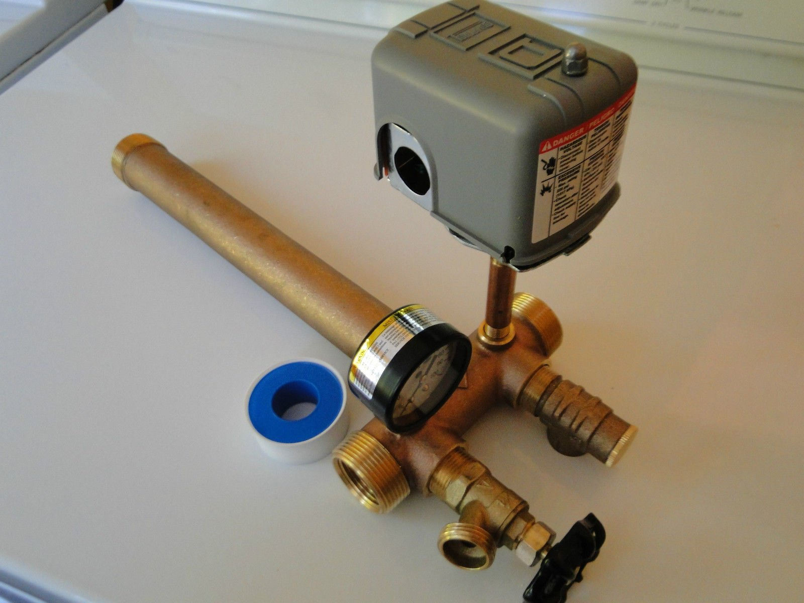1.25 x 14 Tank Tee Kit Installation Water Well Pressure Tank with SQUARE D 30/50 pressure switch NO LEAD