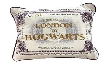 Primark Coussin Harry Potter de Londres à Poudlard 5e4b1e13f2a1