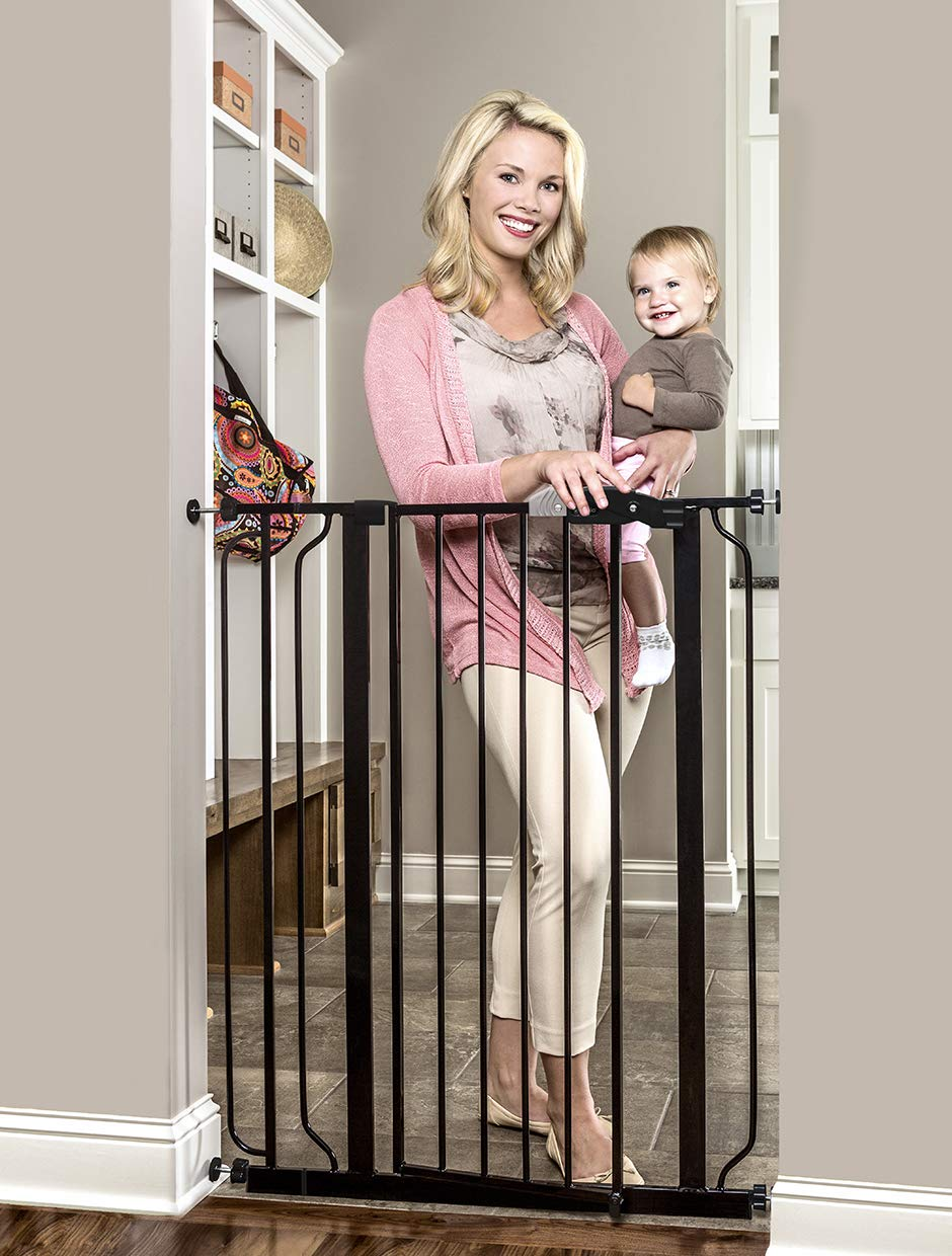B001OE1PC8 Regalo Easy Step Extra Tall Walk Thru Baby Gate, Bonus Kit, Includes 4-Inch Extension Kit, 4 Pack of Pressure Mount Kit and 4 Pack of Wall Cups and Mounting Kit, Black 71mtJYogxnL
