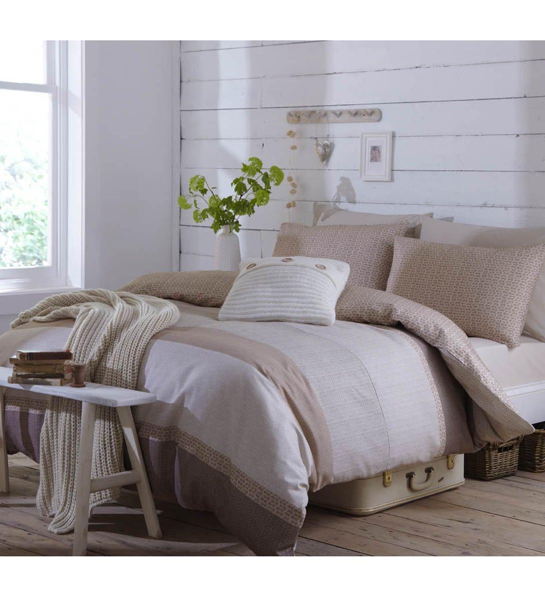bettdecken haltbarkeit schlafzimmer set h ffner musterring minto daunen bettdecken dunkelblau. Black Bedroom Furniture Sets. Home Design Ideas