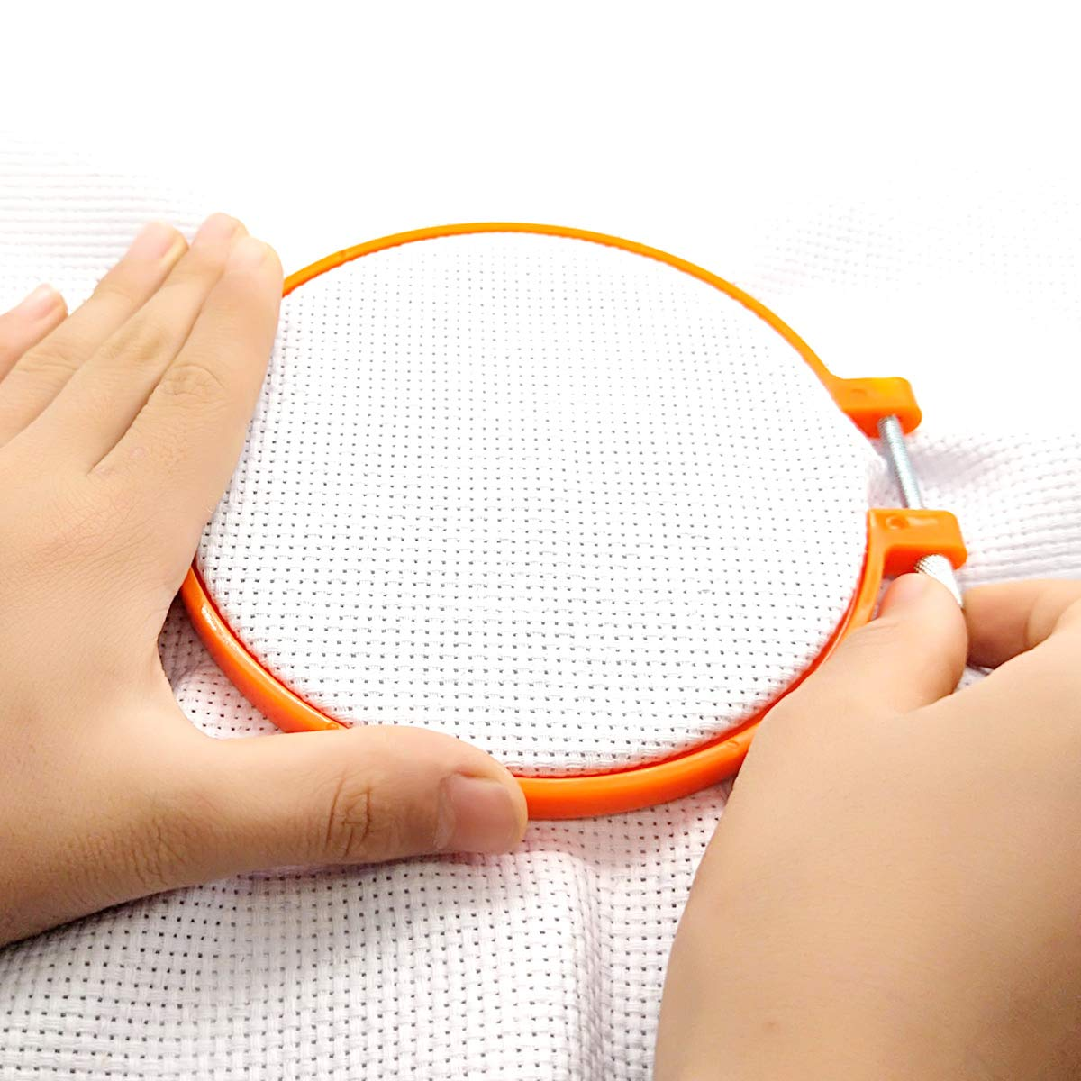 ONLM Embroidery Hoops Circle Cross Stitch Hoop Ring Set Plastic 5 Pieces 5 Sizes Multicolor for Art Craft Handy Sewing