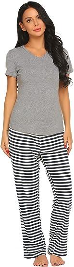 Ekouaer Womens Pajama Set Short Sleeve T Shirt with Capris Pants Print Loungewear Sets S-XXL