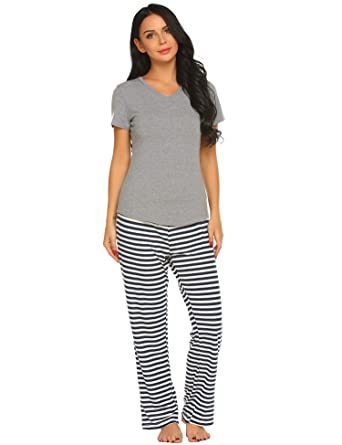 Ekouaer Women s Pajamas Short Sleeve Sleepwear Scoop Neck Nightwear Stripe  Printed Two Piece PJs Set fe49ca0571