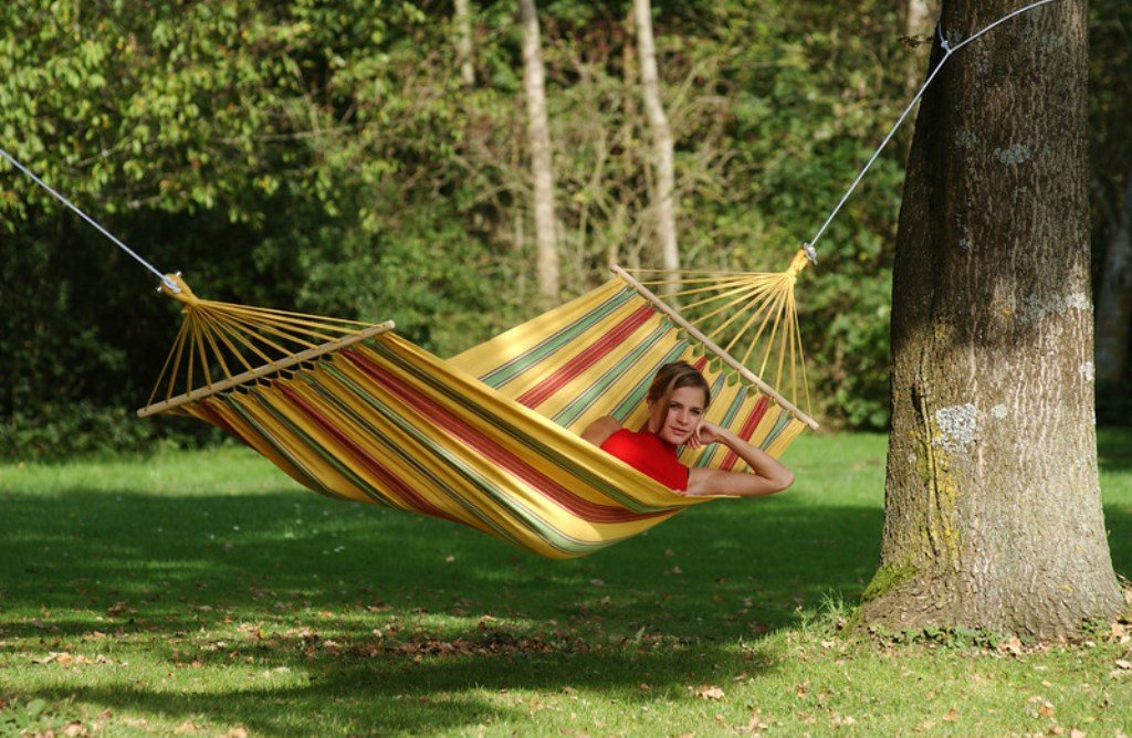 """Byer of Maine Aruba Outdoor Hammock, Woven from Weather-Resistant EllTex Polyester/Cotton Blend, Single Sizet EllTex Polyester/Cotton Blend, Single/Twin Size, Yellow - While away the long summer days in comfort outdoors with our cheerful Aruba hammock. This hammock promises to be more comfortable than your favorite pair of jeans. This hammock is 47"""" wide and stretches from 126"""" to 134"""" long after first few uses (actual length will vary depending on user). It is designed to hold one person with room to spread out, up to 330lbs. Woven from groundbreaking EllTex hybrid polyester/cotton blend, this hammock is designed to remain soft and strong while withstanding UV rays and weather damage. - patio-furniture, patio, hammocks - 71n0K0QnTXL -"""
