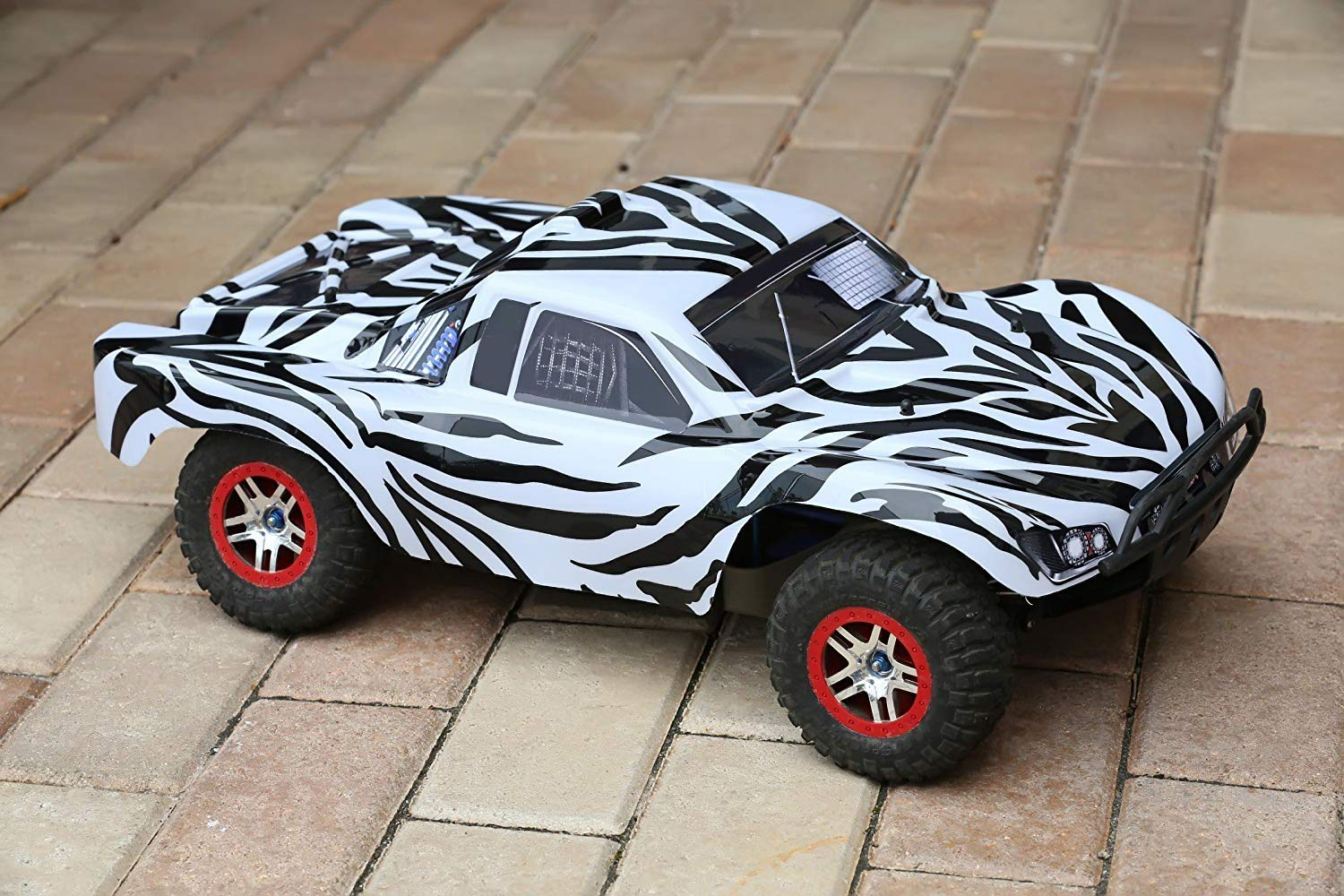 Amazon com summitlink compatible custom body zebra style replacement for 1 10 scale rc car or truck truck not included ss z 01 toys games