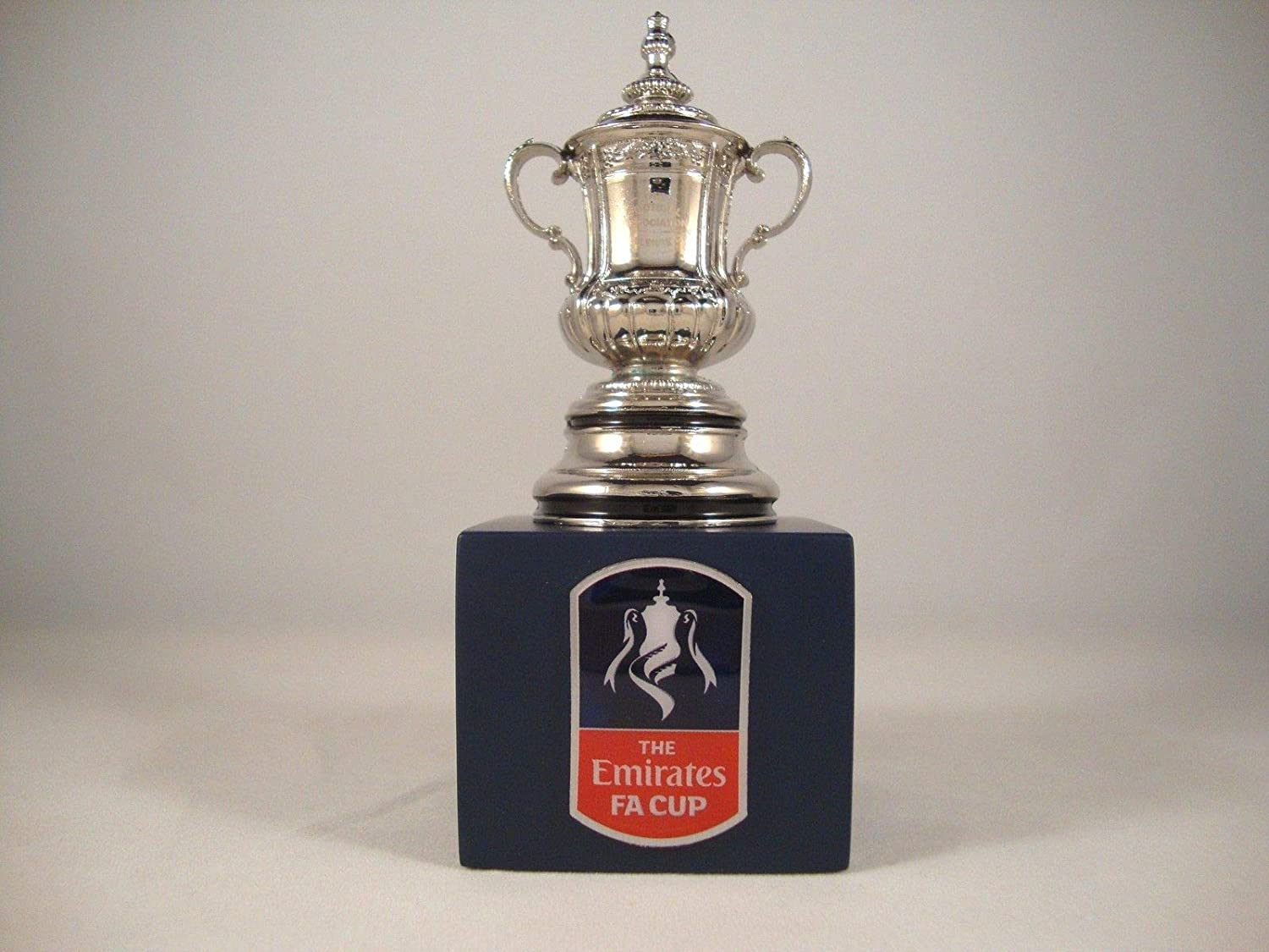The FA Cup - Trophy replica on wooden pedestal (45 mm)