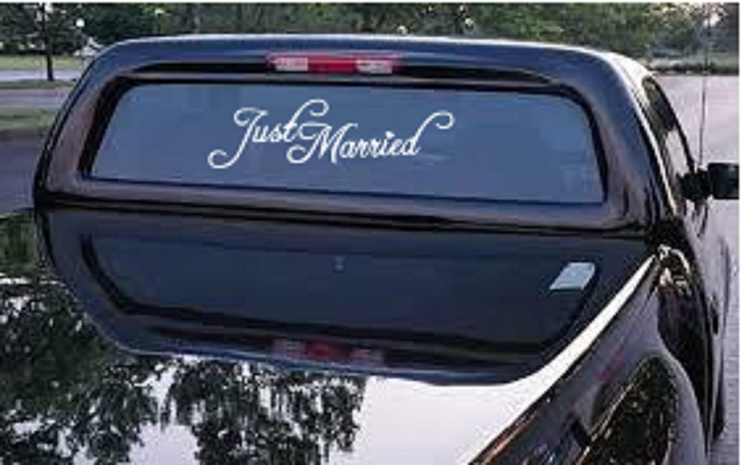 Amazon com just married car truck decal automobile window decal 12 5 wide x 3 5 tall automotive