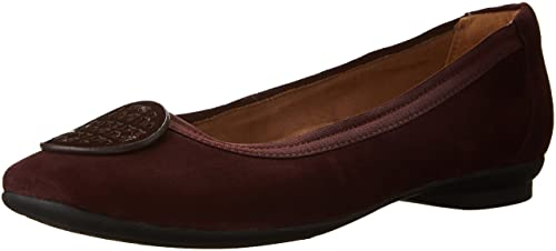 7ce853d3194b Clarks Women s Candra Blush Causal Flat  Amazon.ca  Shoes   Handbags