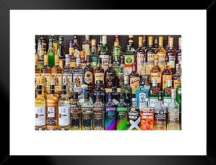 Póster de barra completa de vodka ron, ginebra bourbon, bebidas alcohólicas, botellas de bebidas y bebidas