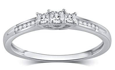6868da0d06b426 Image Unavailable. Image not available for. Color: 10K White Gold Princess  Cut Diamond 3-Stone Ring