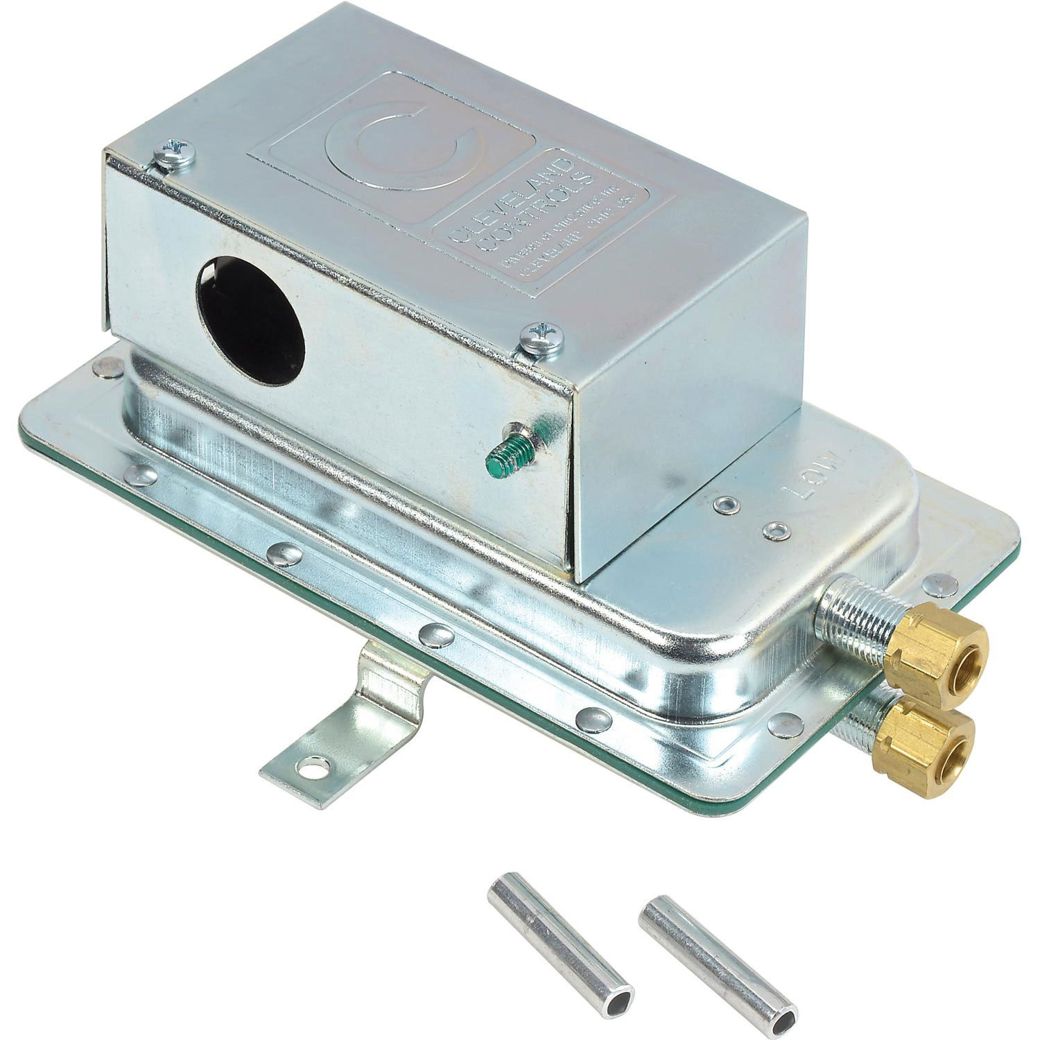 Cleveland Controls Switch Air Pressure Sensing Field Adjustable 0.05'' to 2.0'' WC