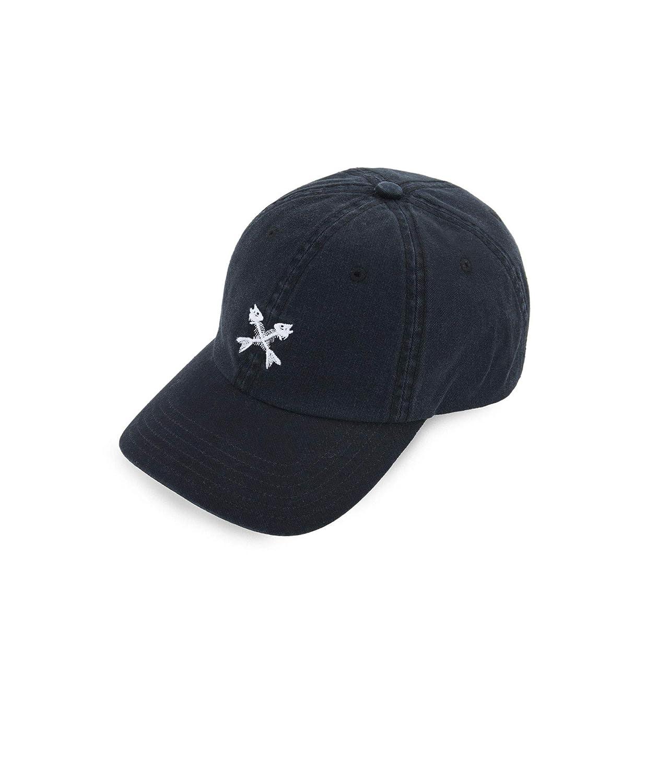 Amazon.com  Vineyard Vines Bonefish Logo Baseball Hat  Clothing b3735dec4d1