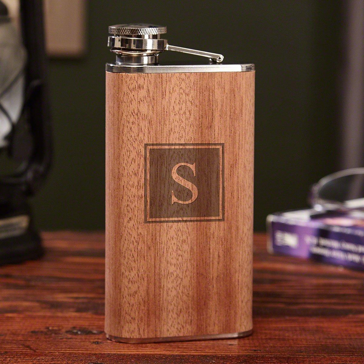 最も優遇の ブロックモノグラム木製ヒップフラスコ9オンスby Whiskey HomeWetBar – Perfect for Whiskey Lovers for Perfect B07BL36KFM, ホビーショップ富士山:0fca1ce0 --- a0267596.xsph.ru