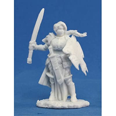 Reaper Trista, Female Warrior (1) Miniature: Toys & Games