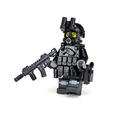 Battle Brick Police SWAT Tactical Assault Officer M4 Carbine (SKU49) Custom Minifigure: Toys & Games