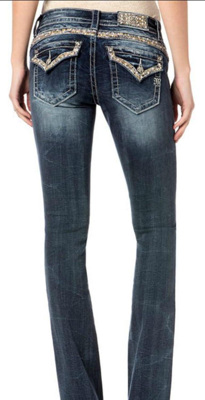 8fbc3667792 Amazon.com: Miss Me Women's Embellished Trouser Pocket Slip Boot Cut:  Clothing