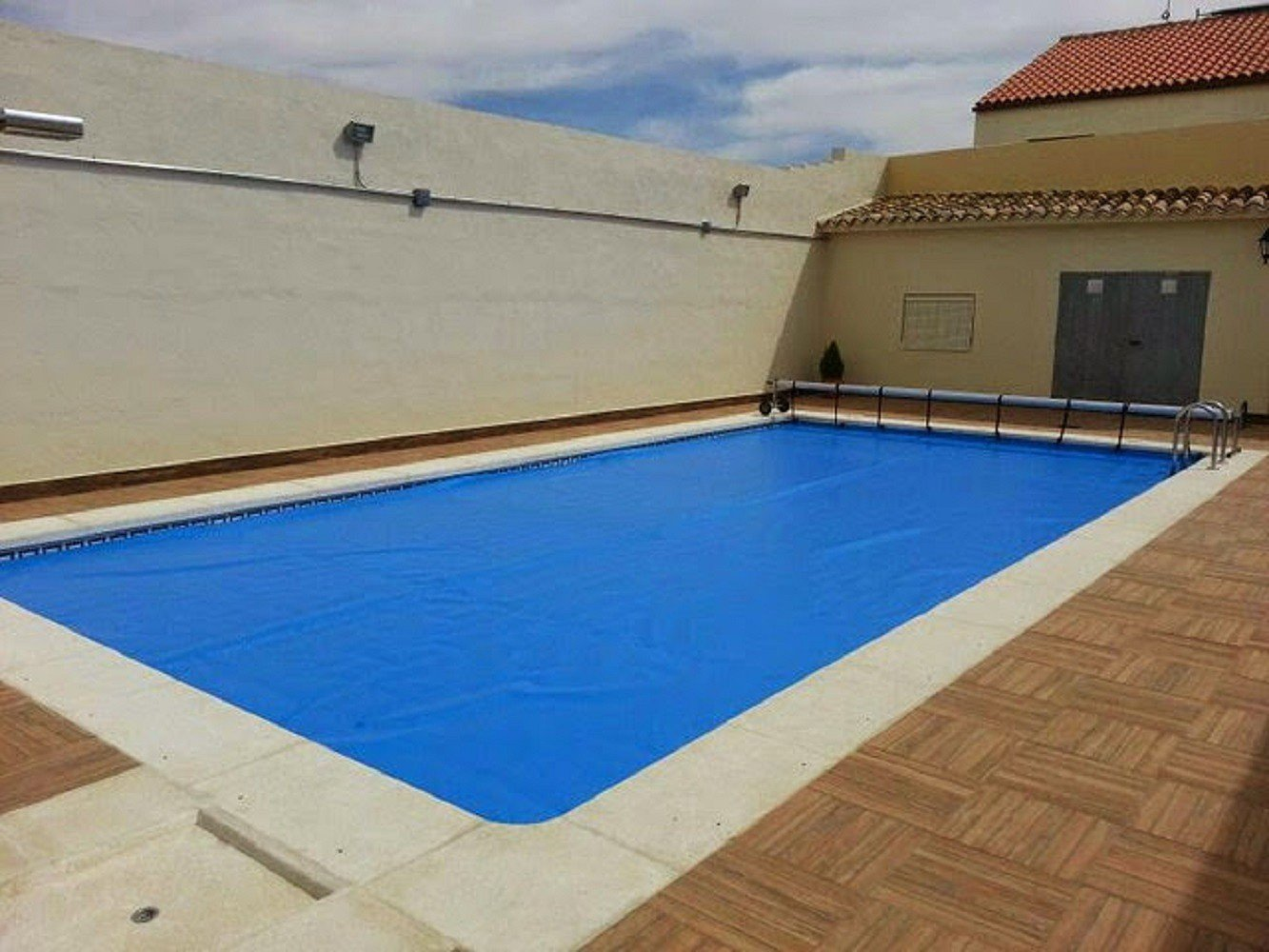 International Cover Pool Cubierta de Verano de Burbujas 600 micras para Piscinas de 2x2 Metros (Sin Refuerzo).: Amazon.es: Jardín