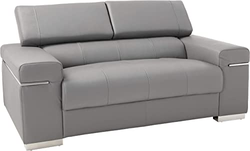 J and M Furniture Soho Loveseat