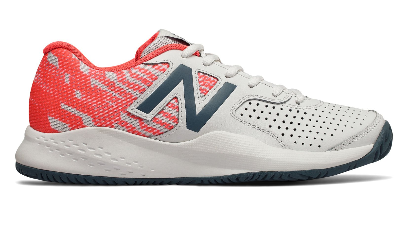 New Balance Women's 696v3 Hard Court Tennis Shoe, White, 7.5 D US