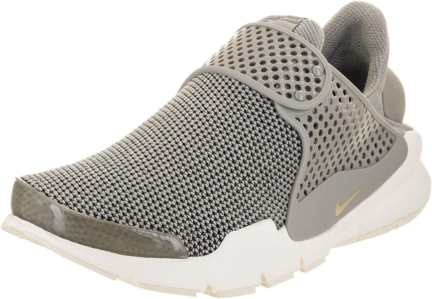 check out 4d21c 5cd33 Nike Women s Sock Dart SE
