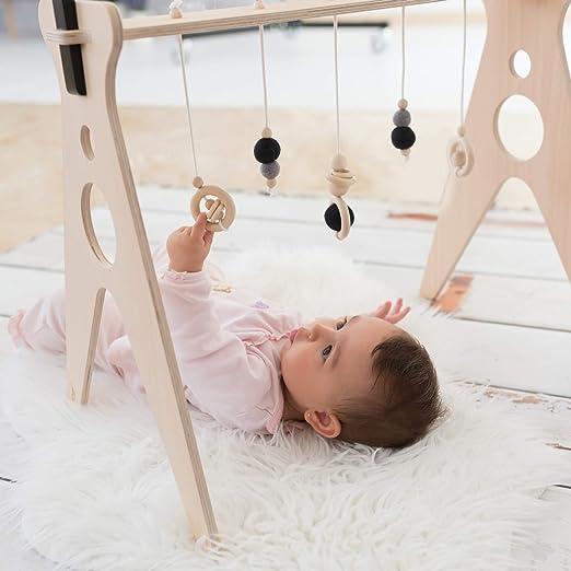 Gimnasio para bebés de madera Chin Pum (negro) | Estimulación temprana del bebe en un lugar seguro | Sostenible y durable