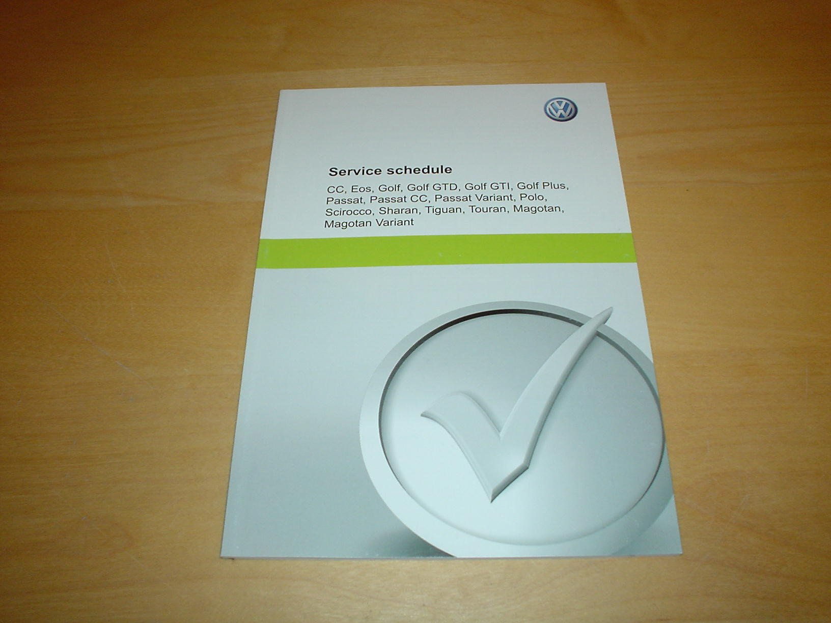 GENUINE NEW BLANK VOLKSWAGEN VW SERVICE BOOK COVERS ALL MODELS NOT DUPLICATE .