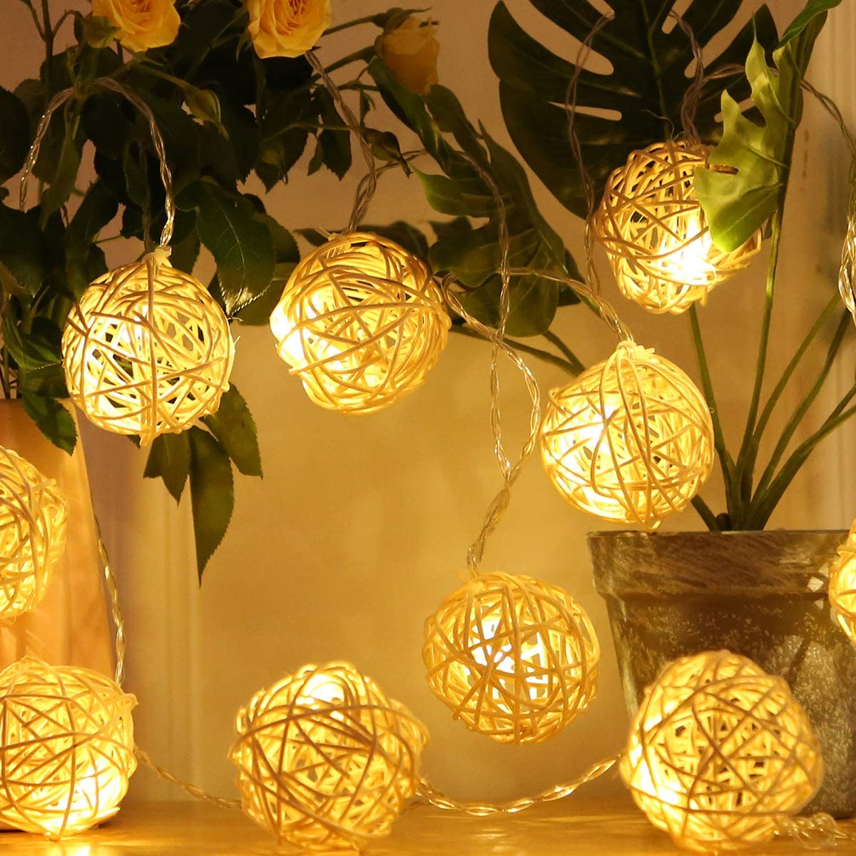 Globe Ball String Lights,WED 100 LED Warm White Fairy Light for Indoor,Bedroom,Curtain,Patio,Lawn,Landscape,Fairy Garden,Home,Wedding,Holiday,Christmastree