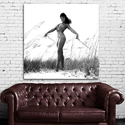 Amazon.com: #17bw Poster Comic Bettie Page Pin Up Model 36x36 inch ...
