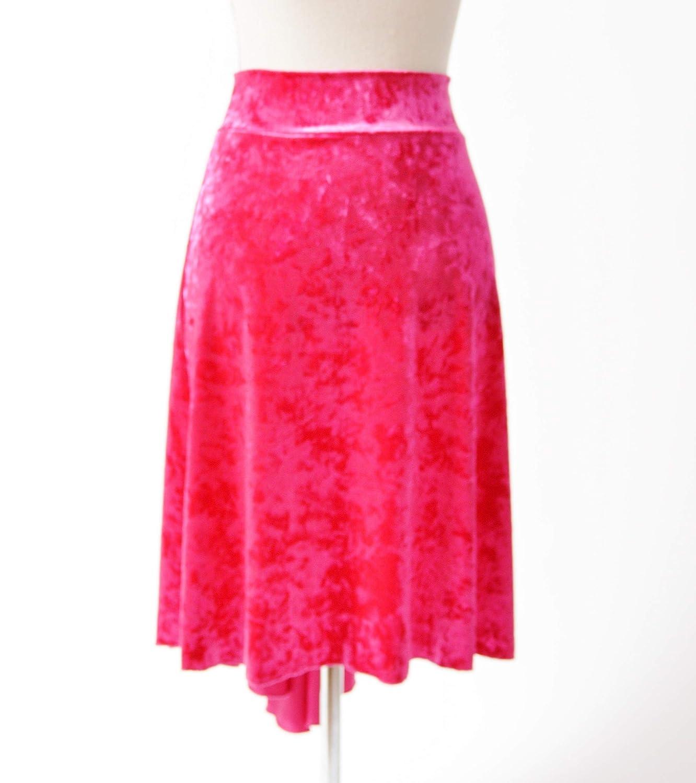 Hermosa falda de tango de cola de pez de terciopelo rosa triturada ...