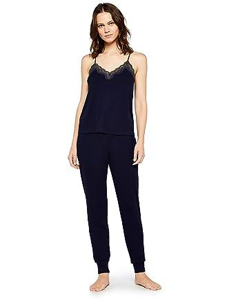 263556c976 Iris   Lilly Women s Pyjama Set  Amazon.co.uk  Clothing