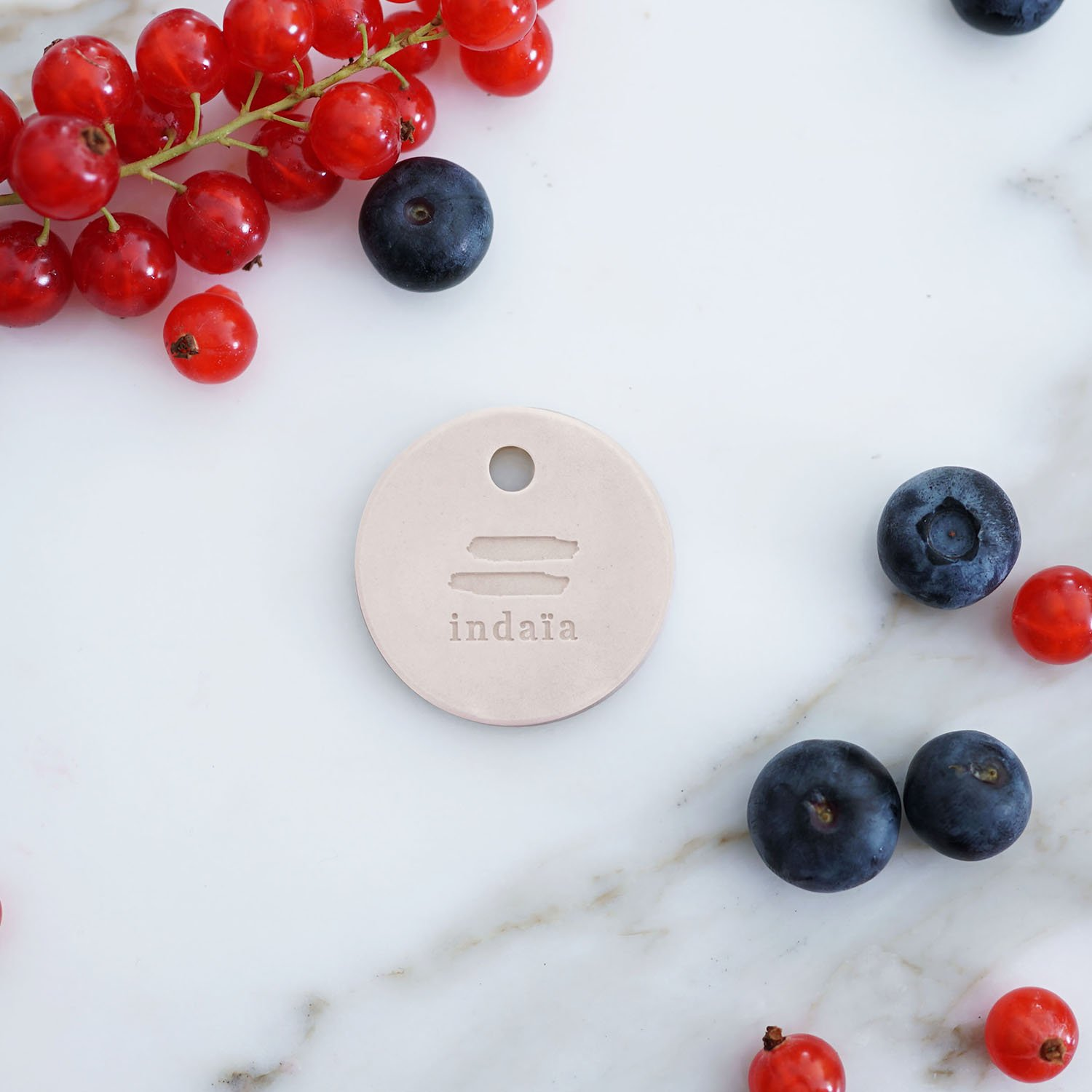 Indaia Collection BERRY Solo Box, Aroma Diffuser, add perfume inside your car with this stylish Scented Disc Fragrance Diffuser, can also be used in your closet, bag, luggage or confined space