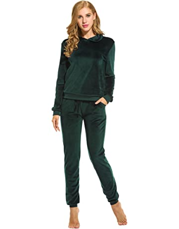 1bcc29e12a1a Hotouch Women s Solid Velour Sweatsuit Set Hoodie and Pants Sport Suits  Tracksuits