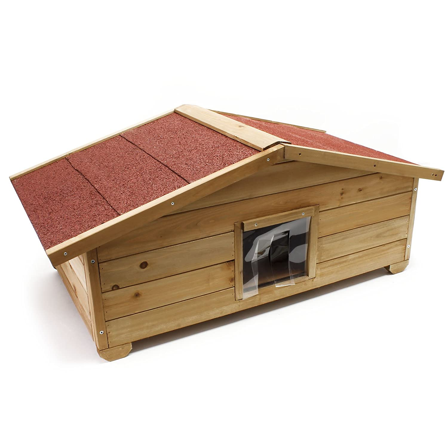 Wiltec Big, full isulated wooden cathouse for outdoor use including door and windows